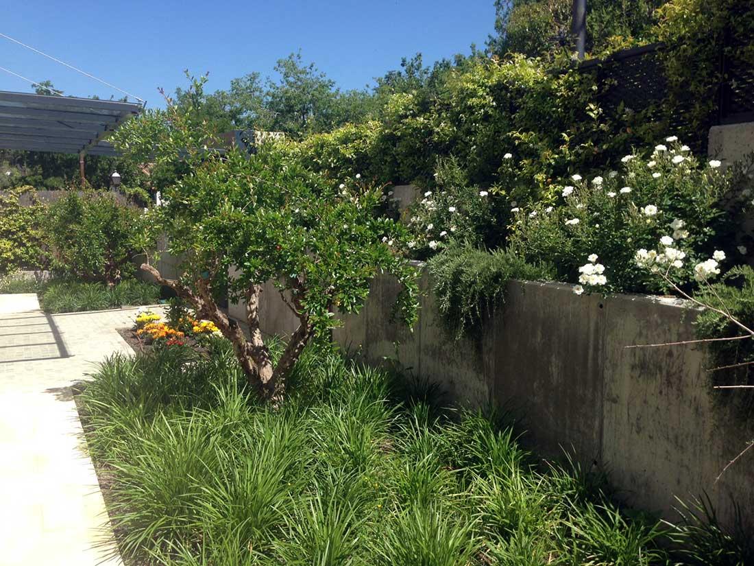 Cubre vallas de jardin best valla de jardn con barrotes for Cercados jardin
