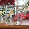 Flor artificial con florero