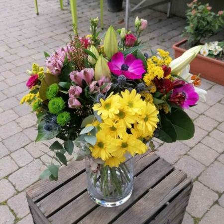 Ramo de flores Fresco Eryngium, Alstromeria, Flor de Cera, Lilium