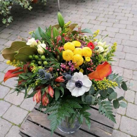 Ramo de flores Limoncello Hypericum, Calas, Lisianthus, Ranunculo, Lilium, Alstromeria